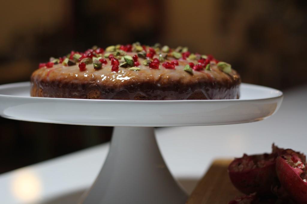 Yoghurt, pistachio and pomegranate cake