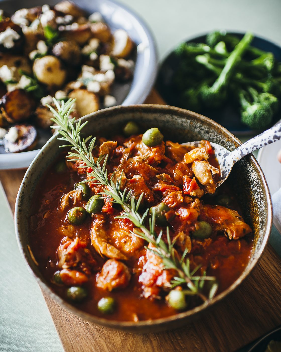 , Italian-style chicken with rosemary and onions