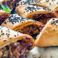 Vegetarian sausage rolls, Vegetarian sausage rolls (that can also be made to be gluten free)